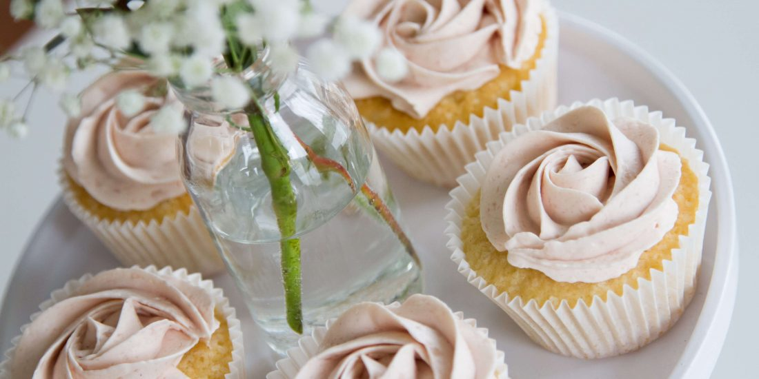 Sweet Table Sweets Cupcakes Roze Wit