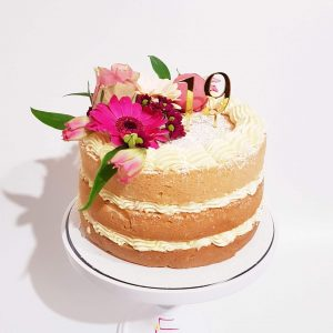 Naked Cake Fresh Flowers