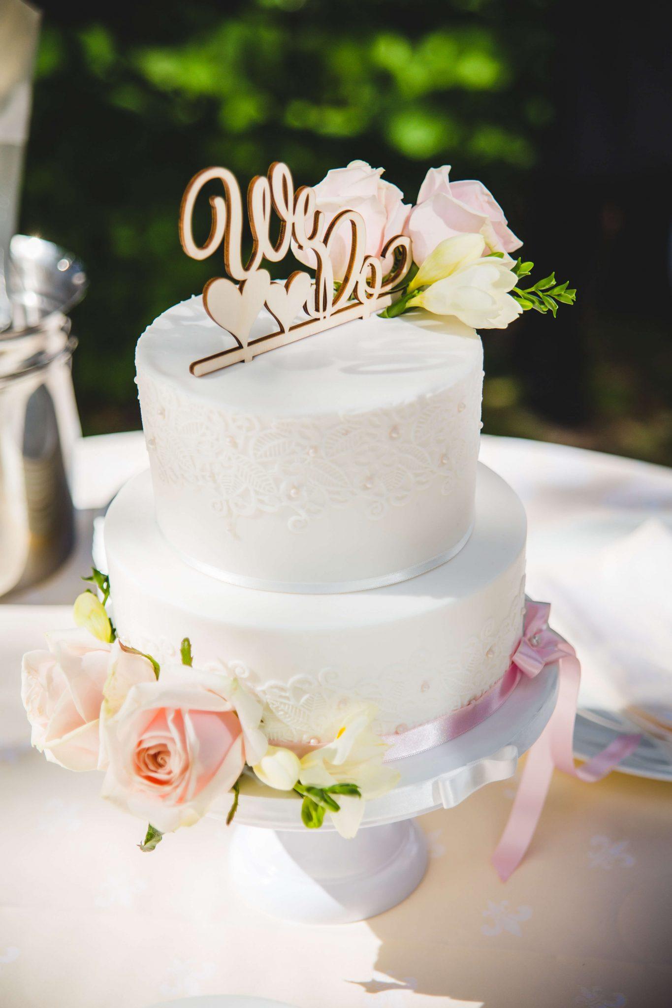 BRUILOFT bruidstaart fondant romantisch kant