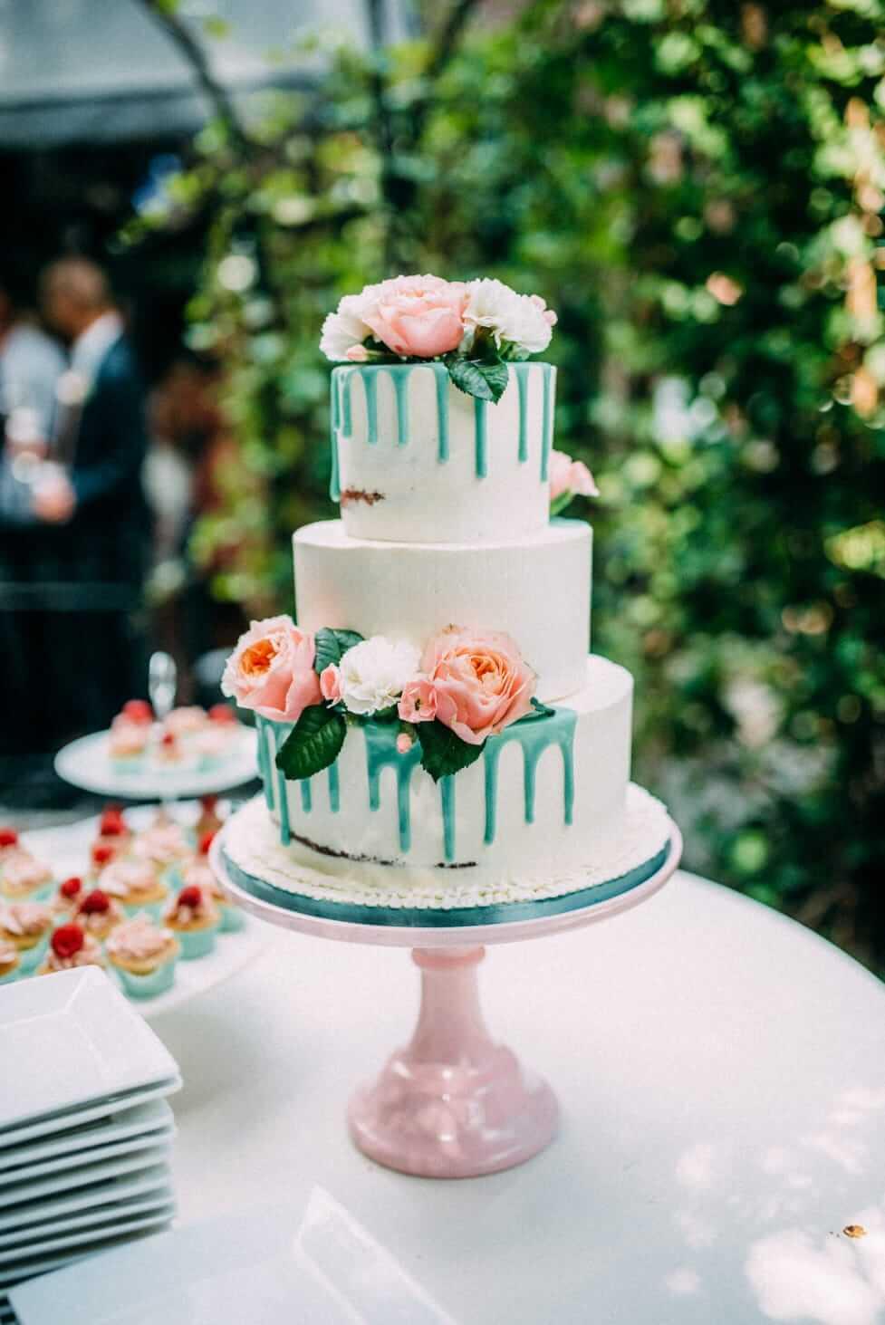 Mint Drip Semi Naked Cake Bruiloft bruidstaart