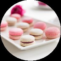 Macarons Cake and More