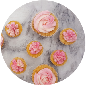 Roze cupcakes en minicupcakes toef bewaren