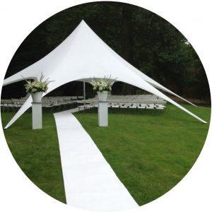 Stretchtent bruiloft ceremonie landgoed beukenrode