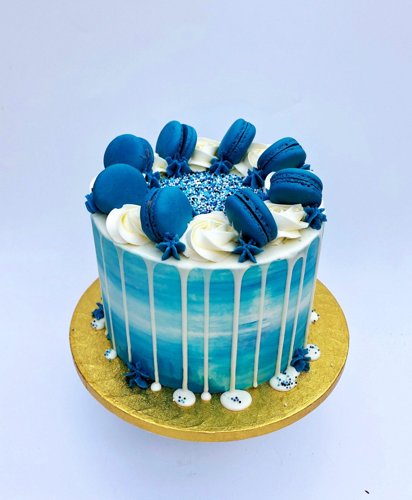 Babyshower Macaron Blauw Dripcake taart